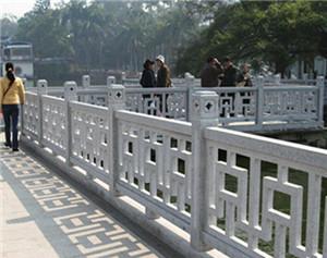镂空式桥栏板